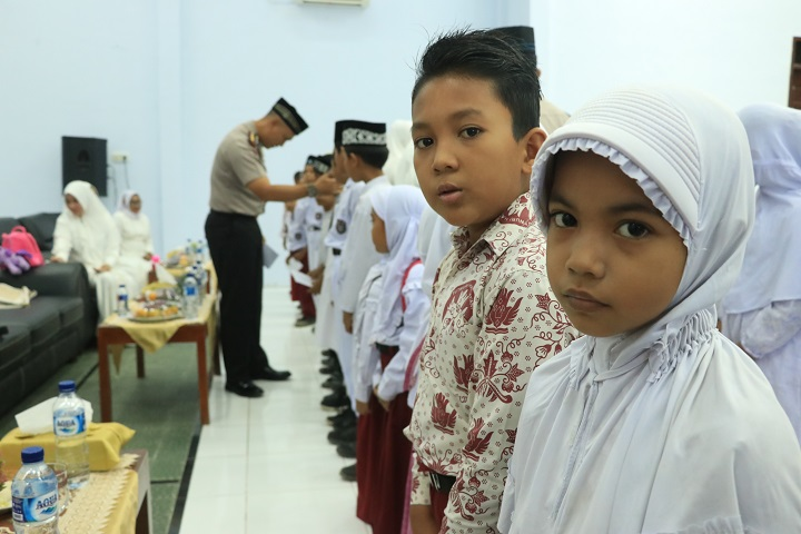 Polres Aceh Utara Gelar Peringatan Maulid Nabi bersama Anak Yatim, ini Pesan Kapolres