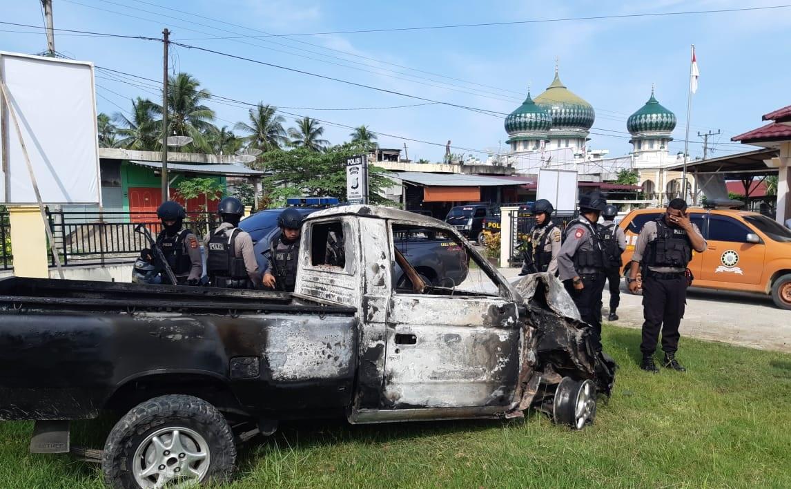 Kawanan Pencuri Sapi Beraksi di Aceh Utara, Mobilnya Hangus Dibakar Warga