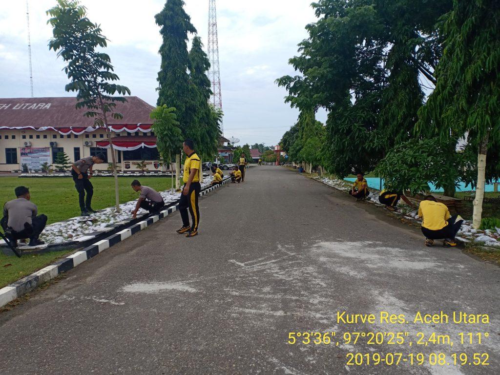 Jumat Bersih Demi Terwujudnya Kebersihan Di Lingkungan Mako Polres Aceh Utara Tribratanews Polres Aceh Utara