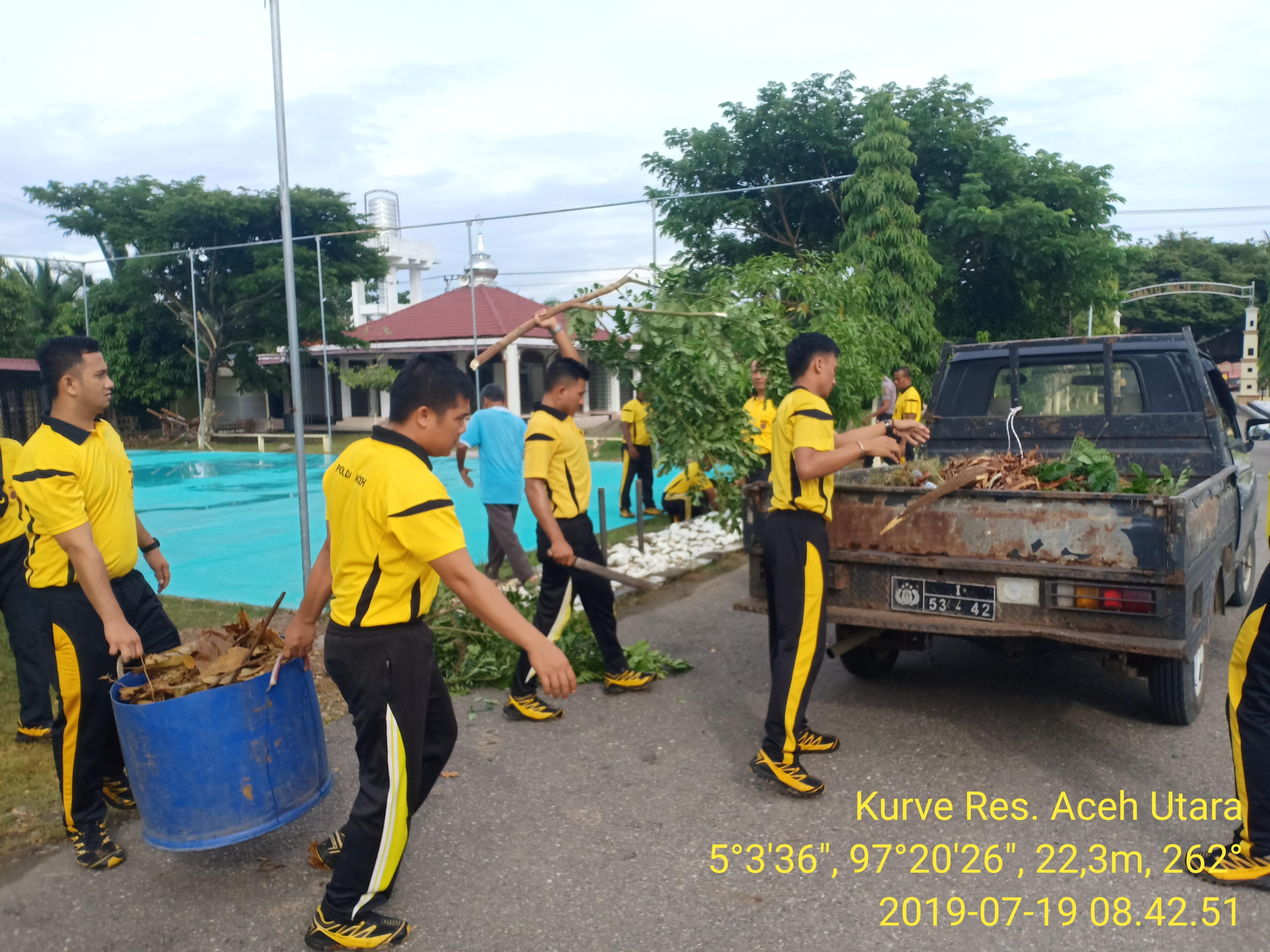 Jumat Bersih, Demi terwujudnya kebersihan di Lingkungan Mako Polres Aceh Utara