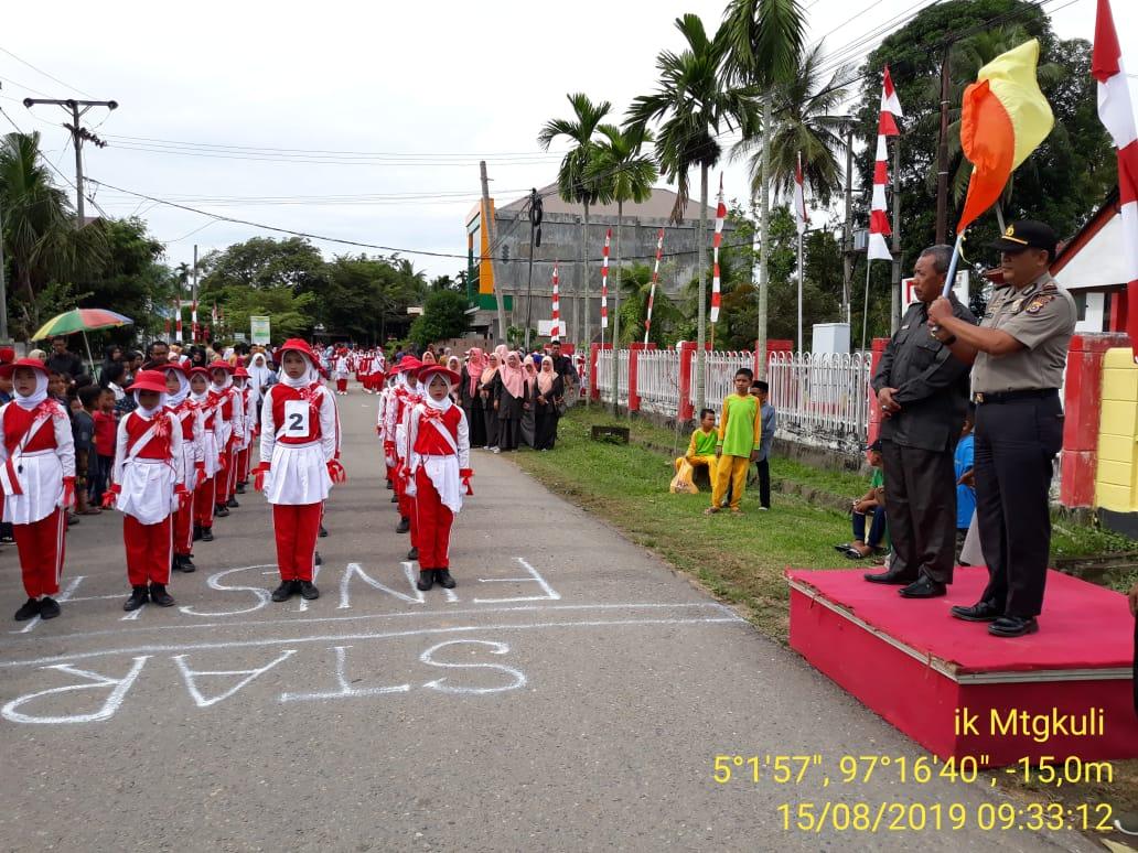 Foto : Lomba Gerak Jalan Sambut HUT RI ke-74 di Matangkuli