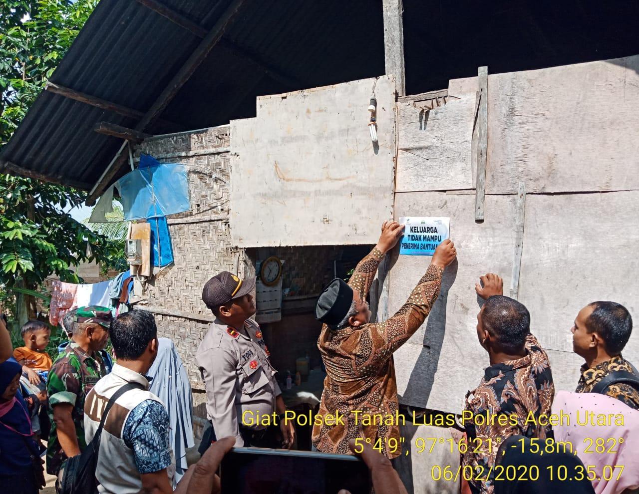 1.876 Rumah di Tanah Luas Akan Dipasangi Stiker Keluarga Tidak Mampu Penerima PKH