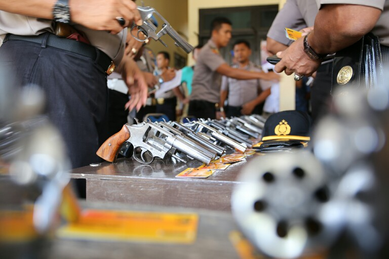 Pimpinan Polres Aceh Utara Periksa Senjata Api Yang dipakai Anggota
