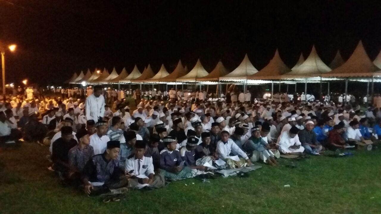 Polres Aceh Utara Kerahkan Puluhan Personel Amankan Zikir Akbar di Halaman Kantor Bupati