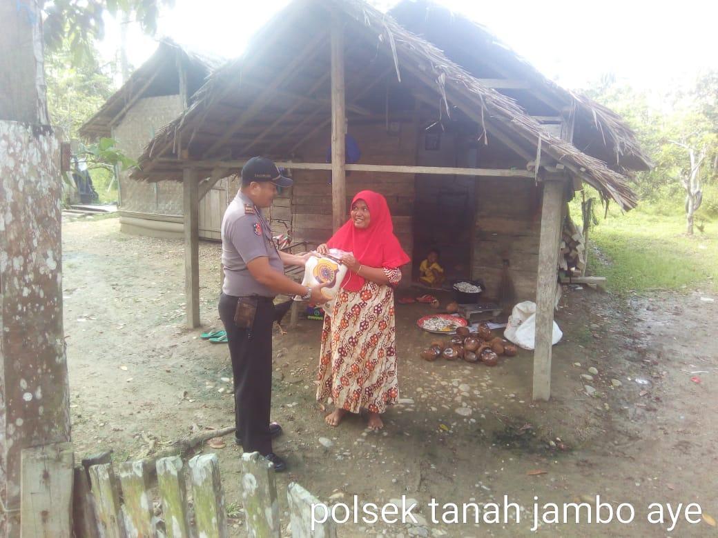 Polres Aceh Utara Kembali Distribusikan Beras Bagi Kaum Dhuafa