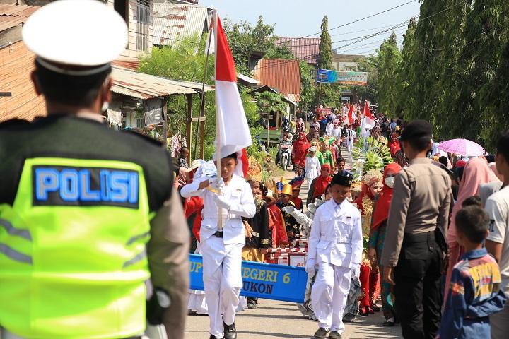Foto : Pengamanan Karnaval HUT RI Ke-74 di Lhoksukon