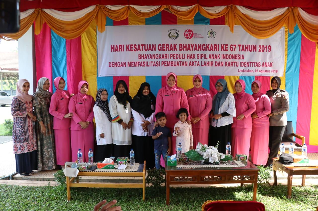 Bhayangkari Cabang Aceh Utara Fasilitasi Pembuatan Ratusan Akta Kelahiran dan KIA