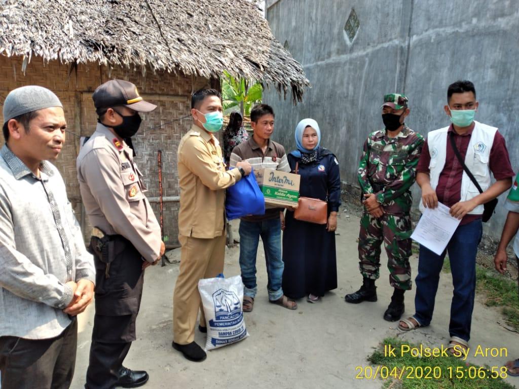 302 Paket Bansos Pemerintah Aceh untuk Kecamatan Syamtalira Aron disalurkan