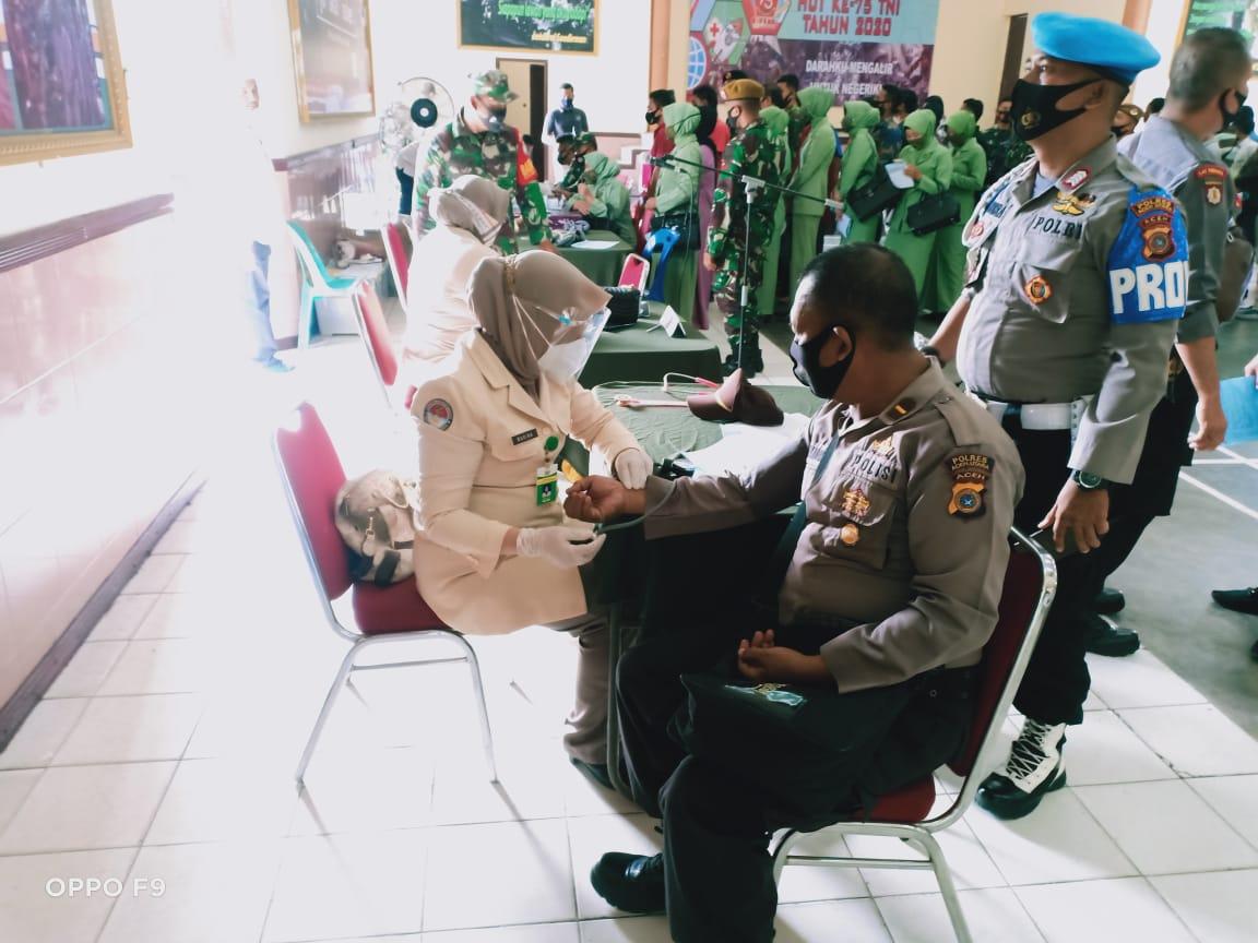 Rajut Sinergitas, Polres Aceh Utara Donor Darah dalam Peringatan HUT TNI