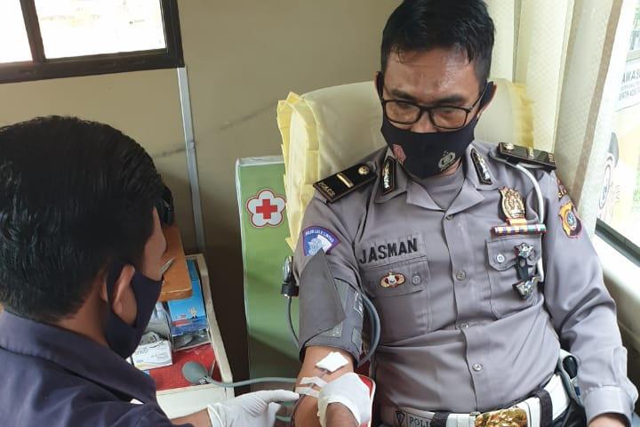 Satlantas Aceh Utara dan Komunitas Masyarakat Sumbang 45 Kantong Darah