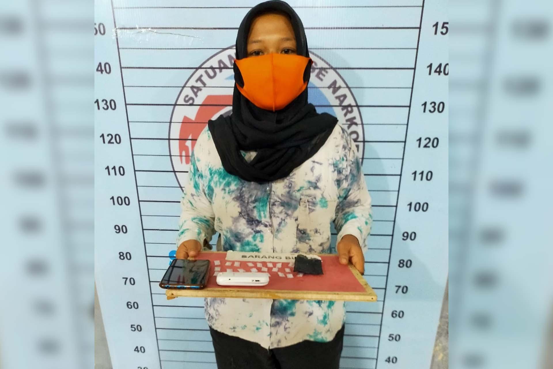 Janda di Panton Labu ditangkap Miliki 24 Paket Sabu