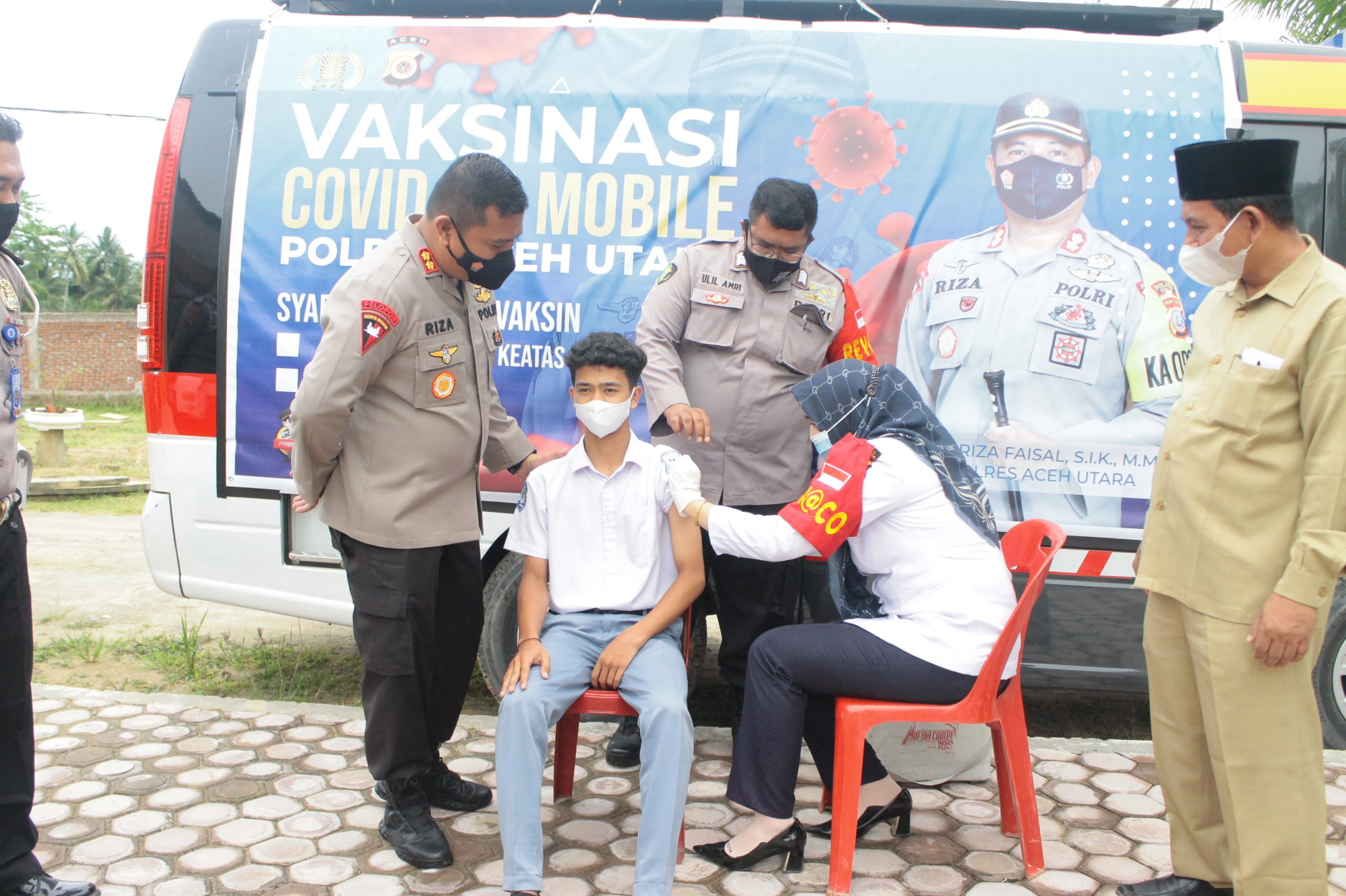 """"""" Vaksin Tamoeng Sikula """" Kapolres Aceh Utara Tinjau Langsung Vaksinasi ke sekolah-sekolah"""